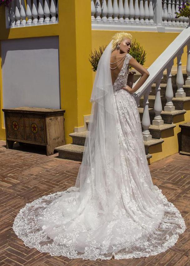Свадебное платье «Headstrong Begonia»