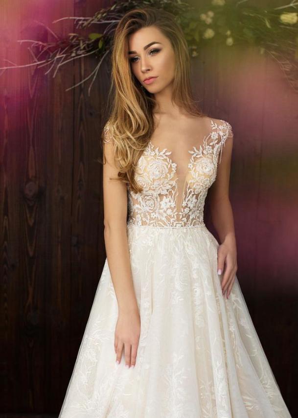 Свадебное платье «Бархатная роза»